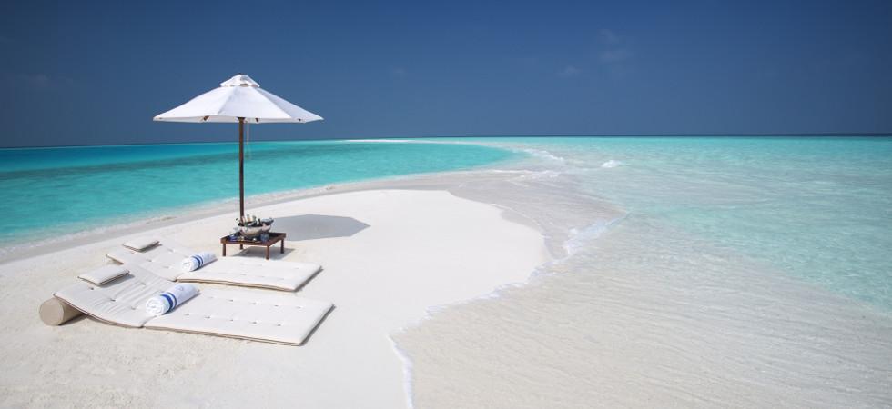La imagen tiene un atributo ALT vacío; su nombre de archivo es Milaidhoo-Maldives-sandbank-2-jpeg.jpg